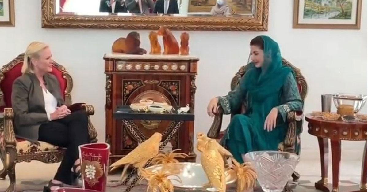 امریکی ناظم الاامور اینجلاایگر نے شہباز شریف اور مریم نواز سے الگ الگ ملاقاتیں کیں ۔ مریم نواز سے ھونے والی ملاقات میں ن لیگ کی اعلی قیادت نے بھی شرکت کی