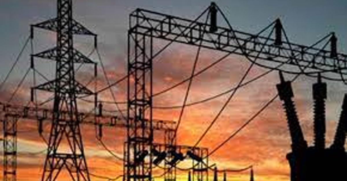 حکومت نے بجلی پھر مہنگی کر دی ۔ فی یونٹ ایک روپے 39 پیسے ۔اب سبسڈی 300 یونٹ کی بجاۓ 200 یونٹ کے استعمال پر ھوگی ۔ دو ھفتوں میں تیسری بار بجلی کی قیمتوں میں اضافہ ھوا۔